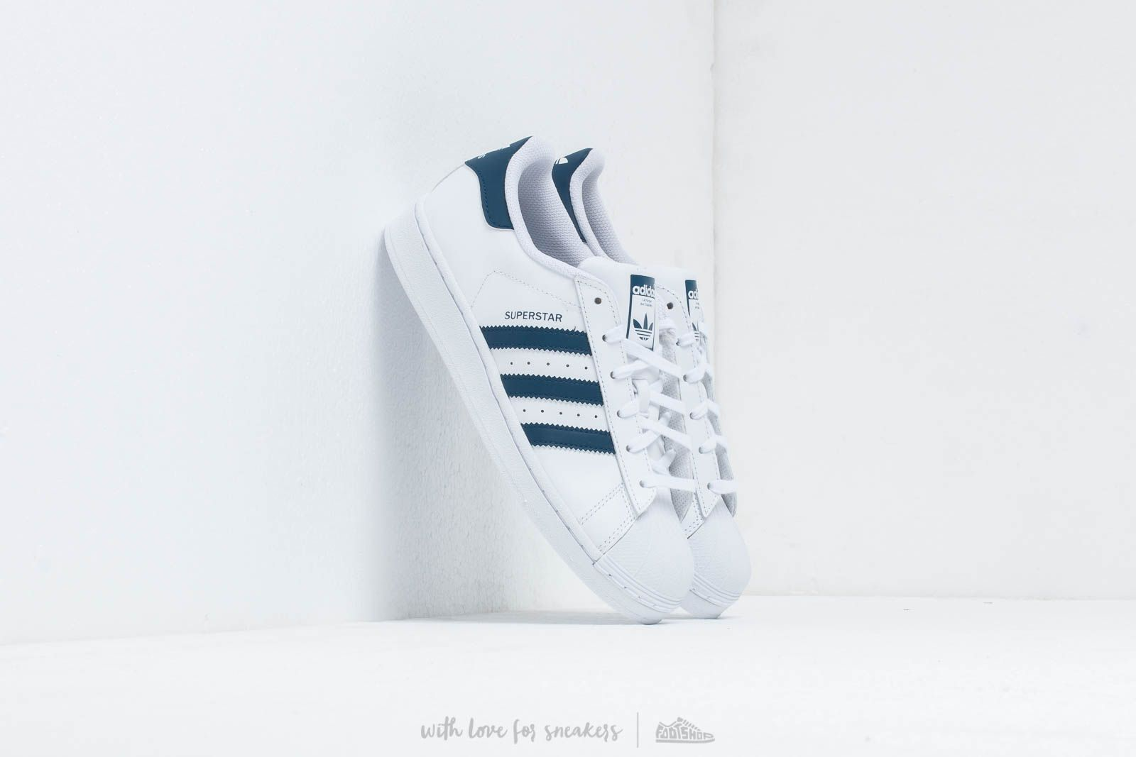 adidas Superstar J Ftw White/ Ftw White/ Legend Marine at a great price 66 € buy at Footshop