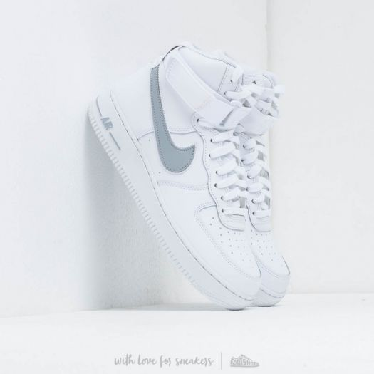 chaussure homme hip hop nike