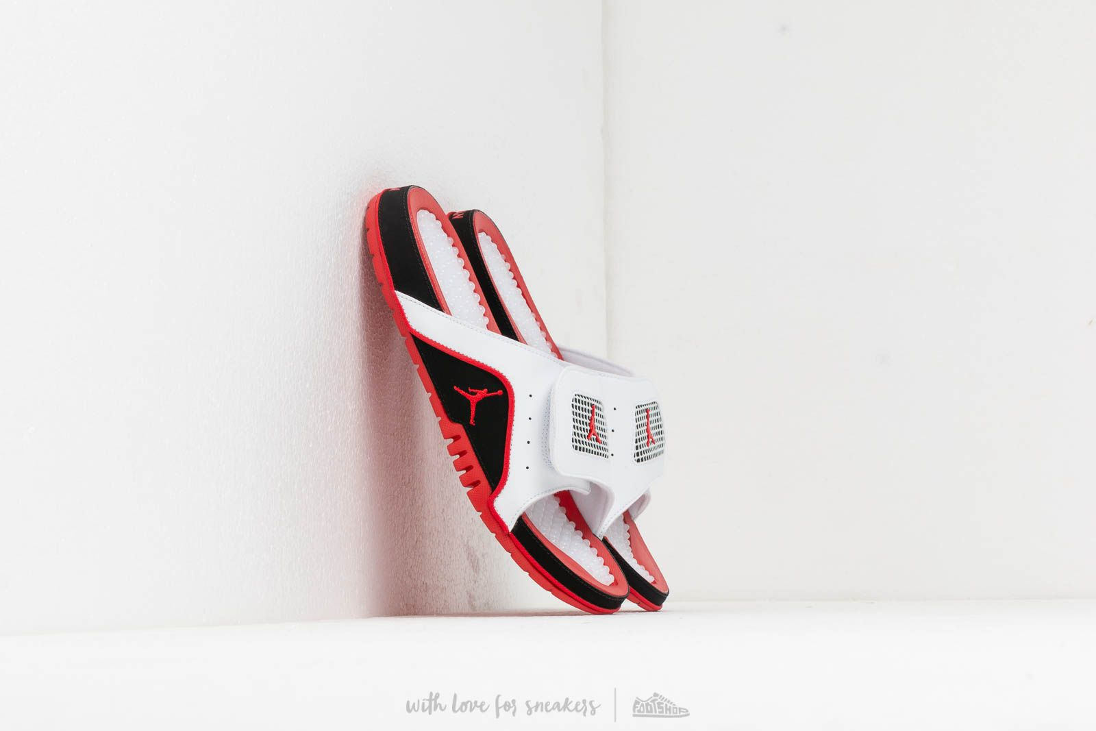 sale retailer 4d036 999be Jordan Hydro Iv Retro White/ Fire Red-Black-Fire Red | Footshop