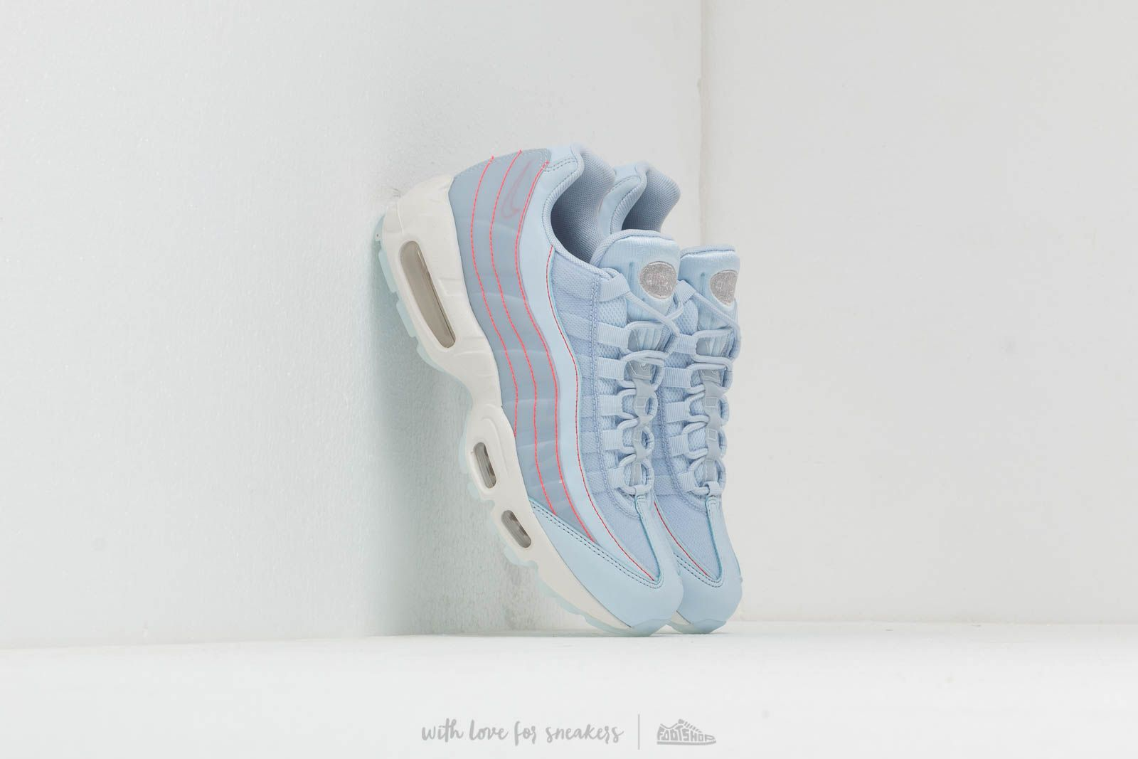 factory authentic 1776a dce90 Nike Wmns Air Max 95 Se Half Blue  Half Blue-Summit White at a