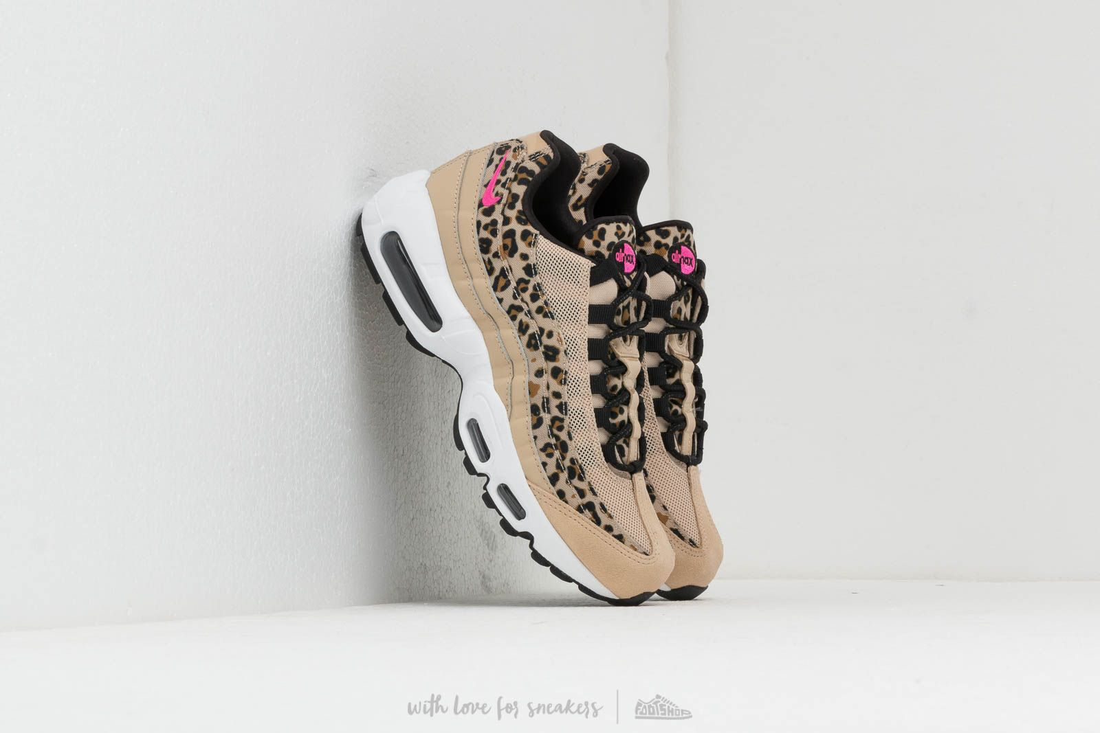 Nike Wmns Air Max 95 Premium Desert Ore/ Laser Fuchsia-Black-Wheat at a great price 169 € buy at Footshop