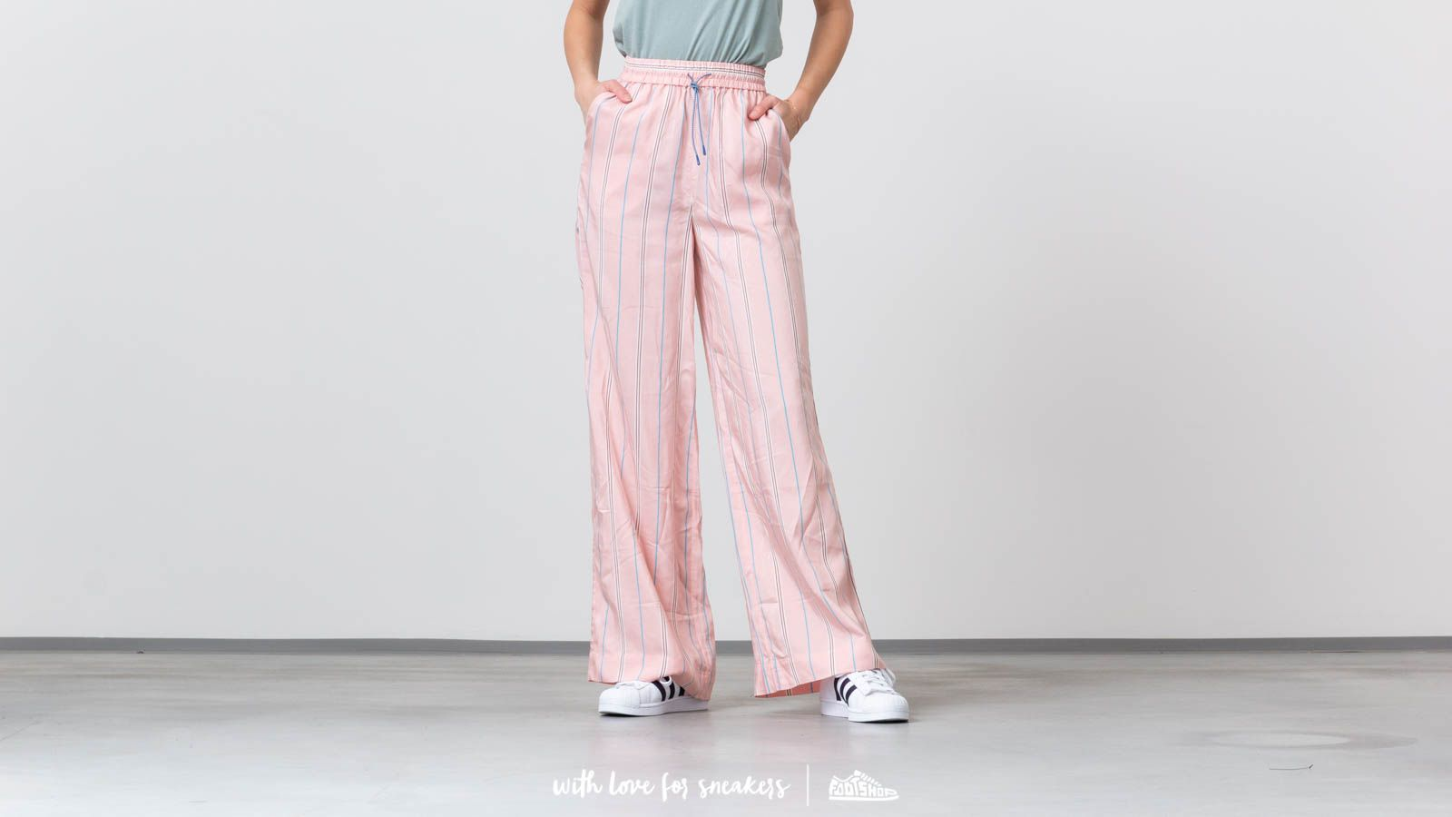 Platnene hlače WOOD WOOD Darla Trousers Light Rose Stripe