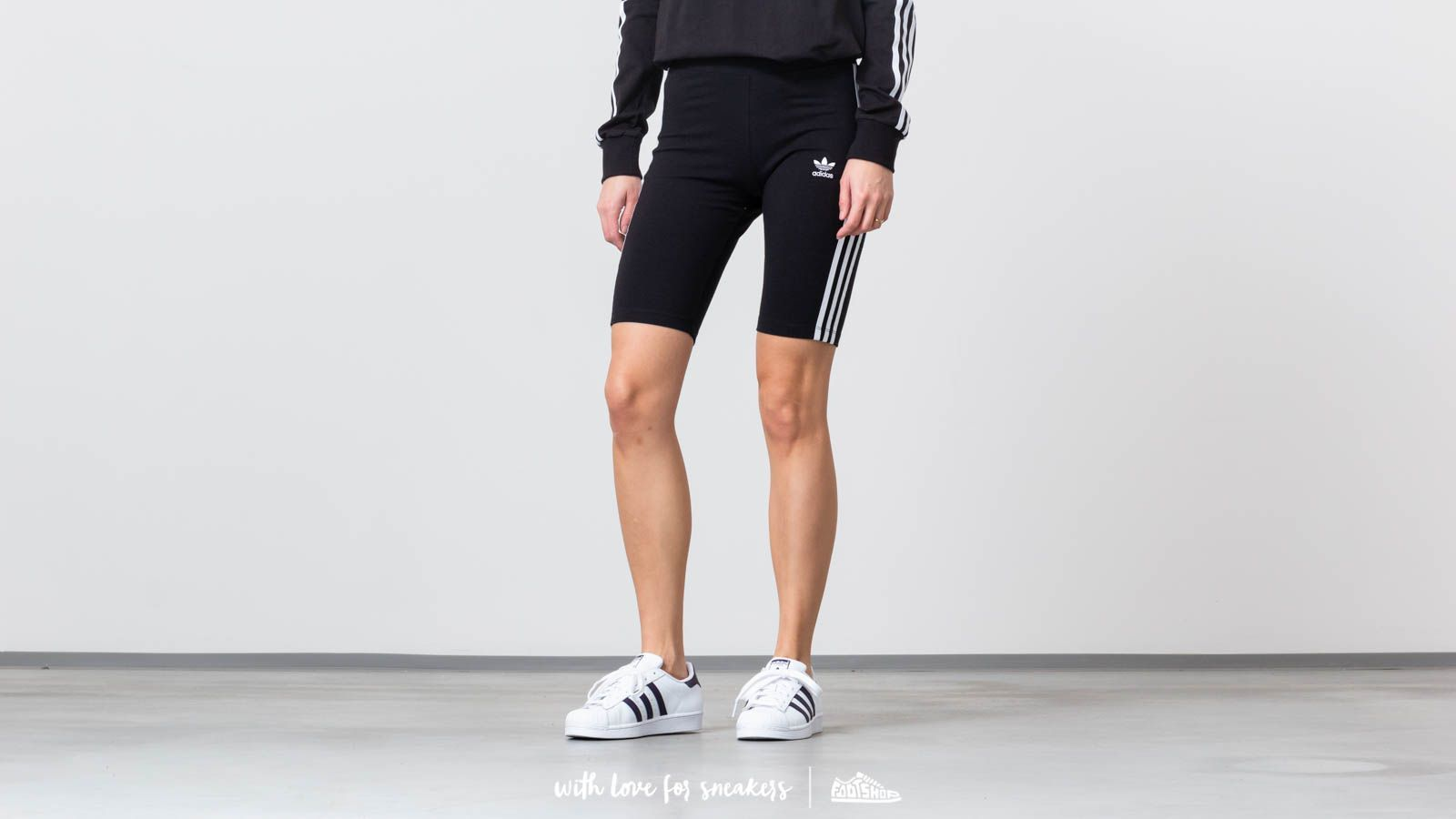 341845fafe9 adidas Originals Cycling Shorts Black at a great price 28 € buy at Footshop