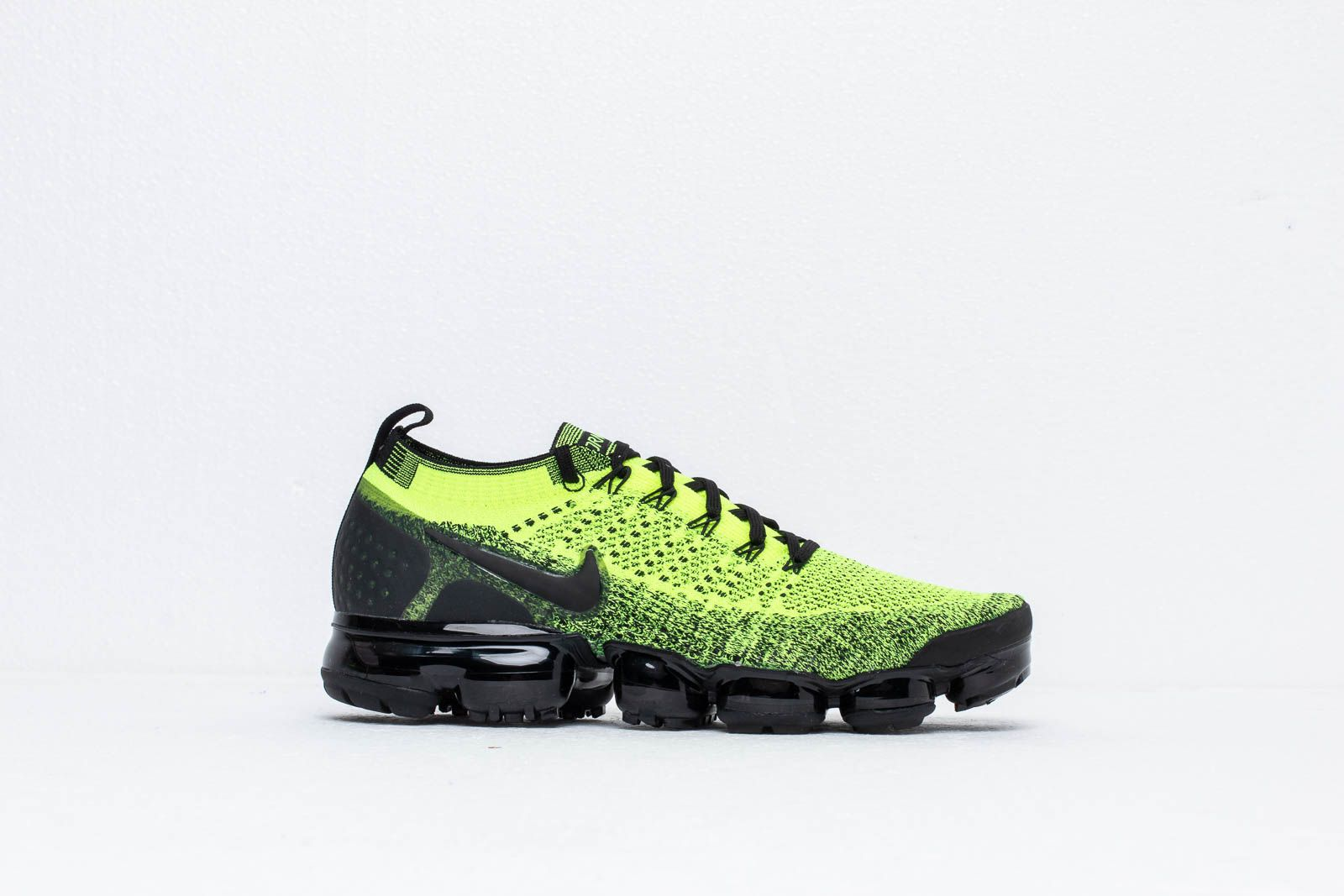 1d6398b5a3e Nike Air Vapormax Flyknit 2 Volt  Black-Volt at a great price 198 €