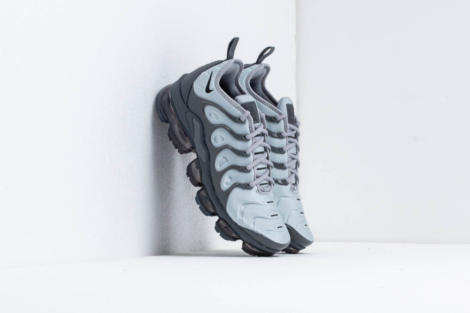 brand new f9bac d808b Nike Air Vapormax Plus Wolf Grey/ Black-Dark Grey | Footshop