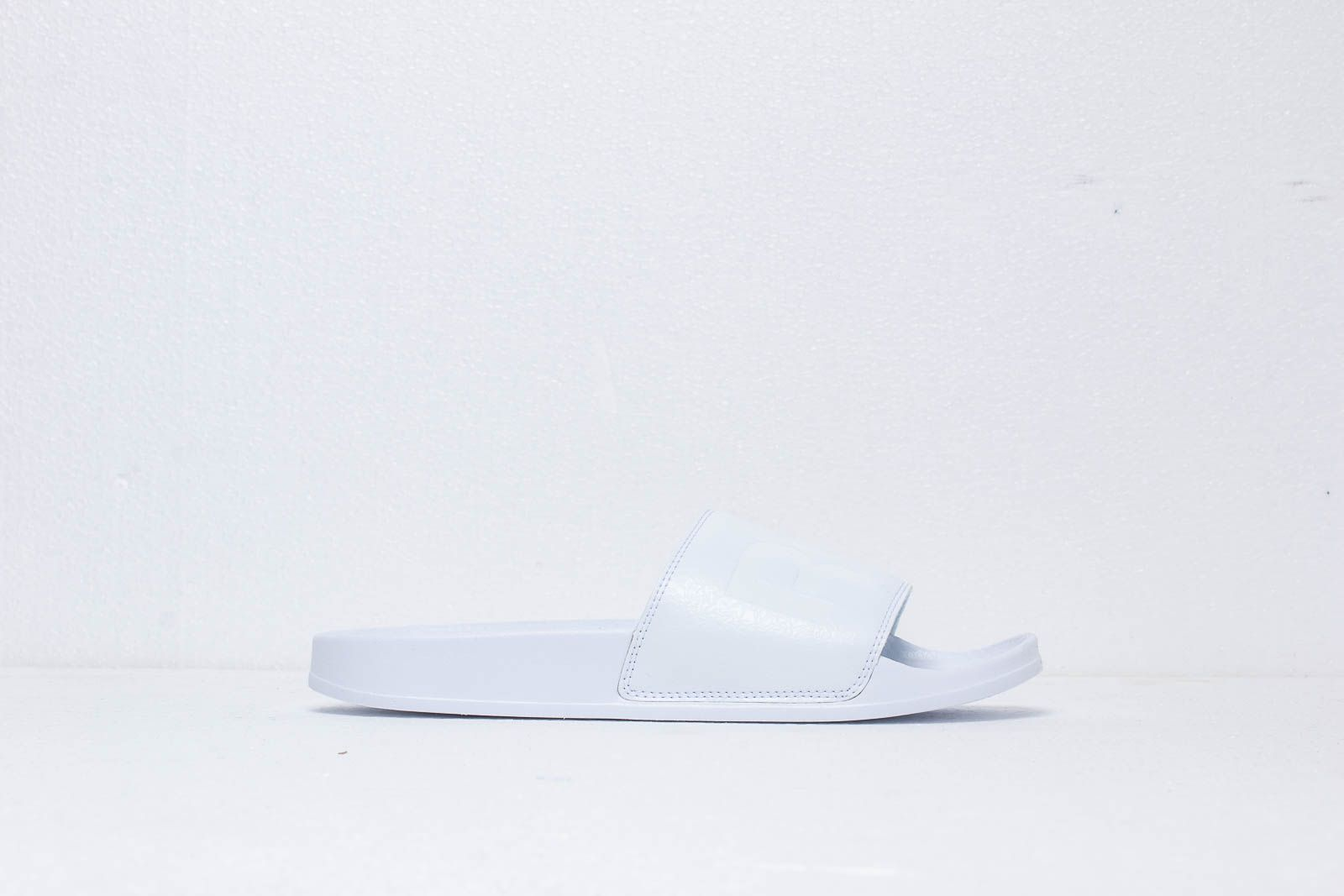 d5b8bcebb6d4a Reebok Classic Slide White  White  Black at a great price 28 € buy at