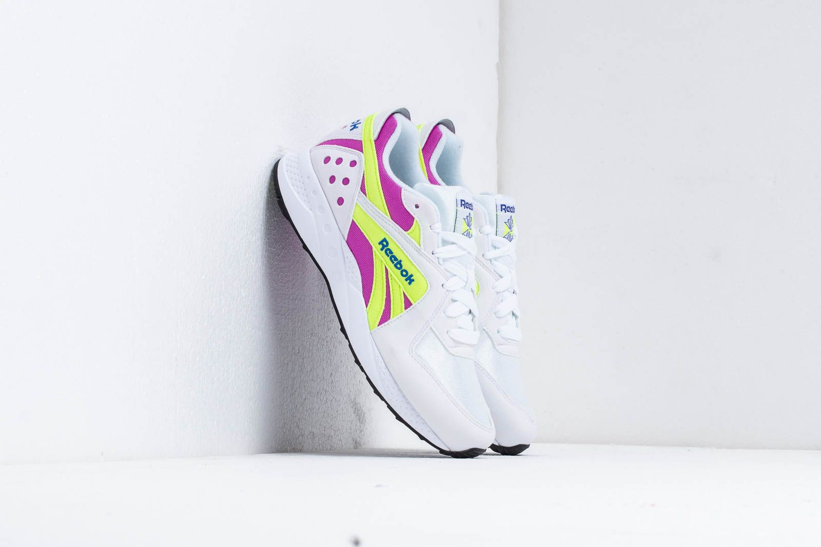 Men's shoes Reebok Pyro White/ Violet/ Neon/ Cobalt
