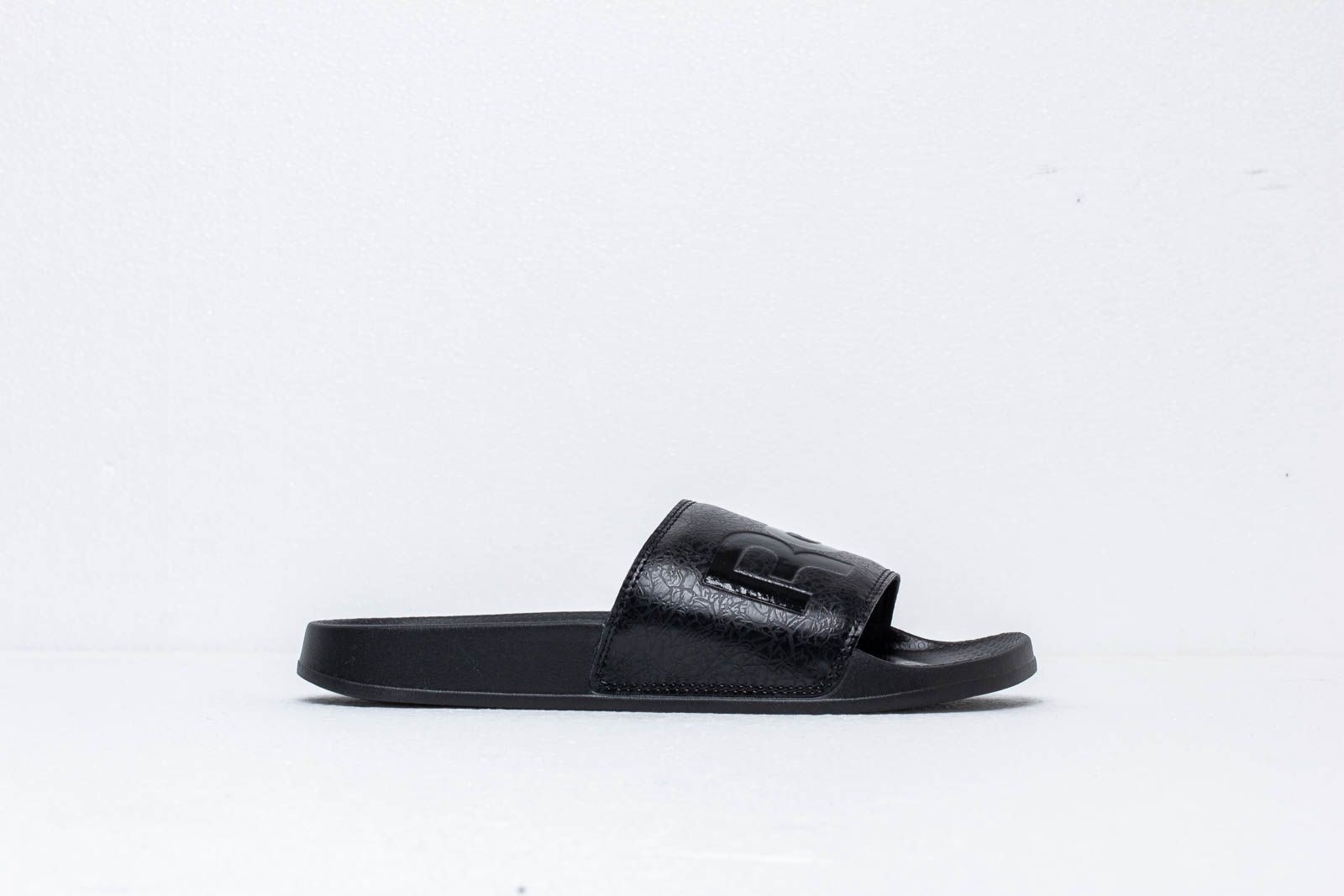 4aa1c5918 Reebok Classic Slide Black  Black  White at a great price 28 € buy at