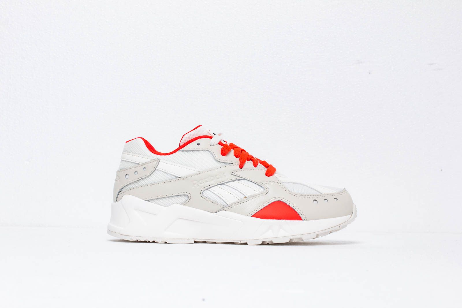 04103ef626e81f Reebok Aztrek Chalk  Neon Red  Black at a great price 114 € buy at