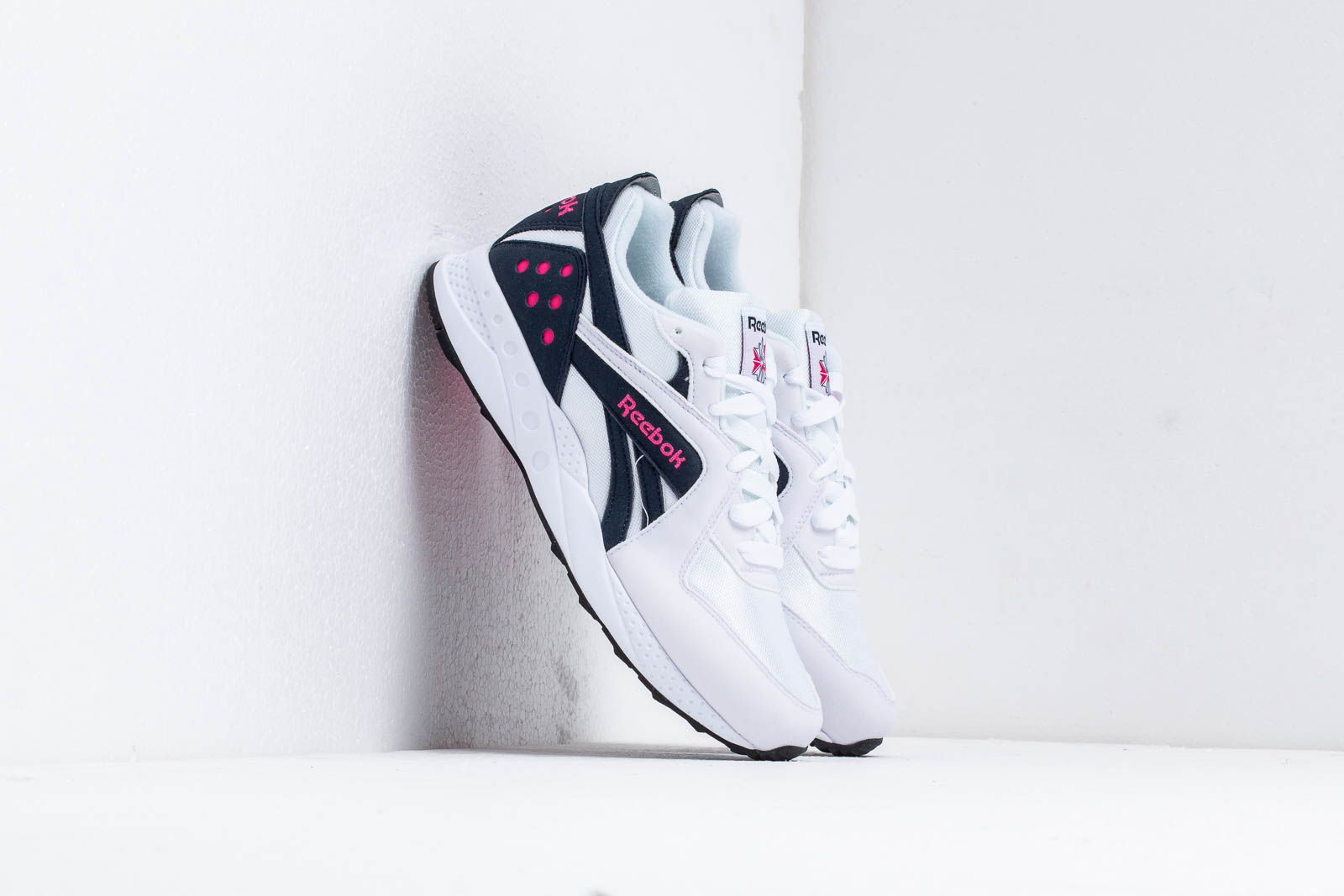 Chaussures et baskets homme Reebok Pyro White/ Night Navy/ Pink Fusion