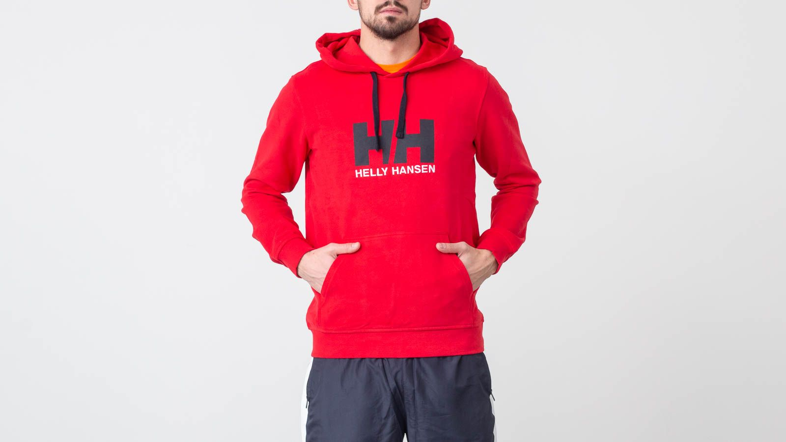 Helly Hansen Logo Hoodie Flag Red za skvelú cenu 73 € kúpite na Footshop.sk