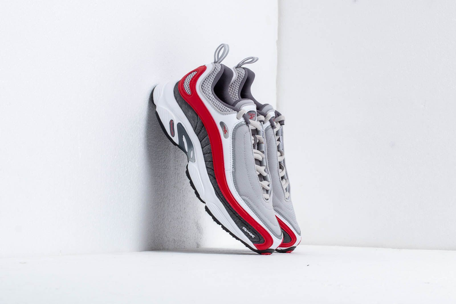 Reebok Daytona DMX Skull Grey/ Shark/ White/ Red at a great price 114 € buy at Footshop