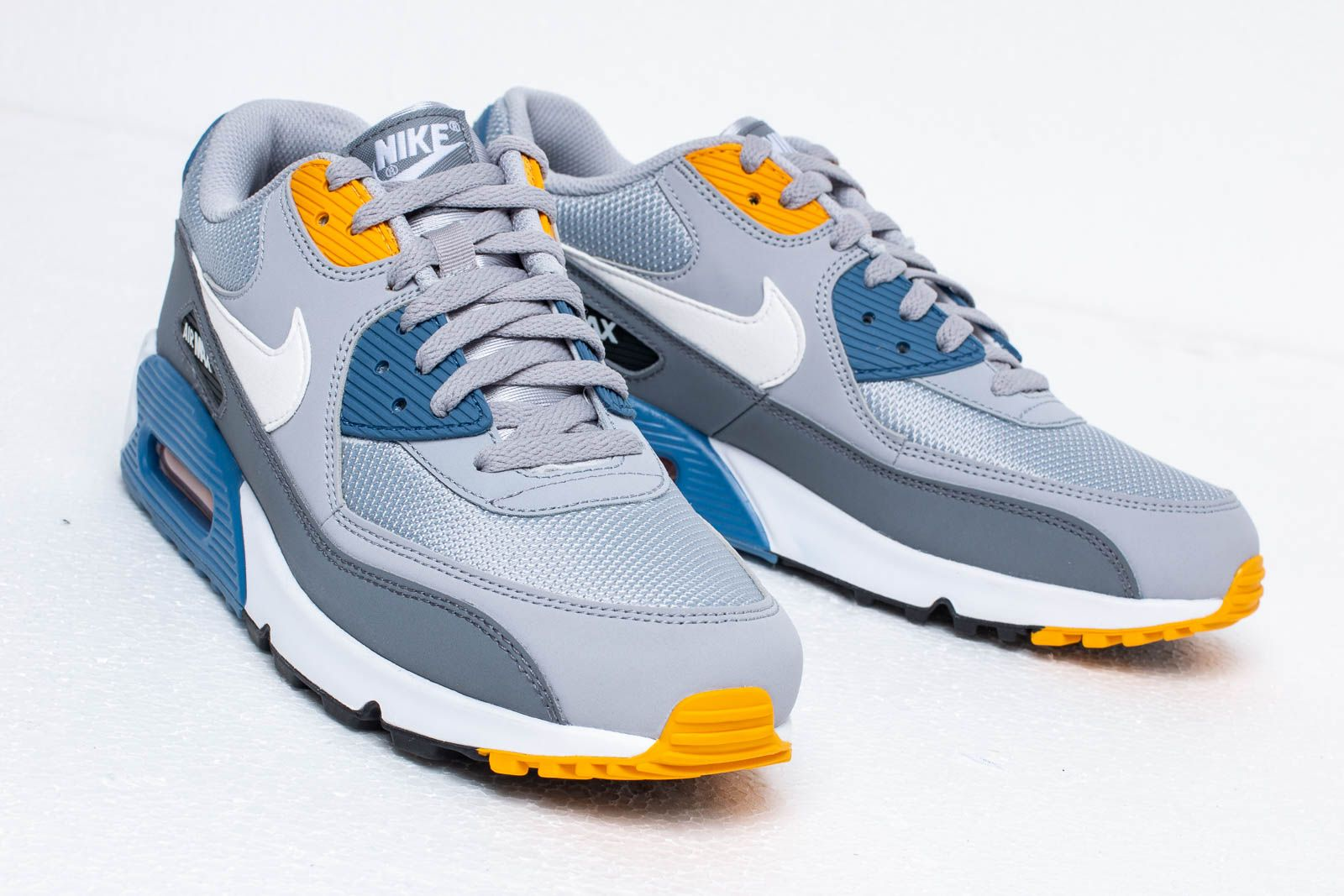 Nike Men's Air Max 90 Essential Shoes Wolf GreyWhiteIndigo