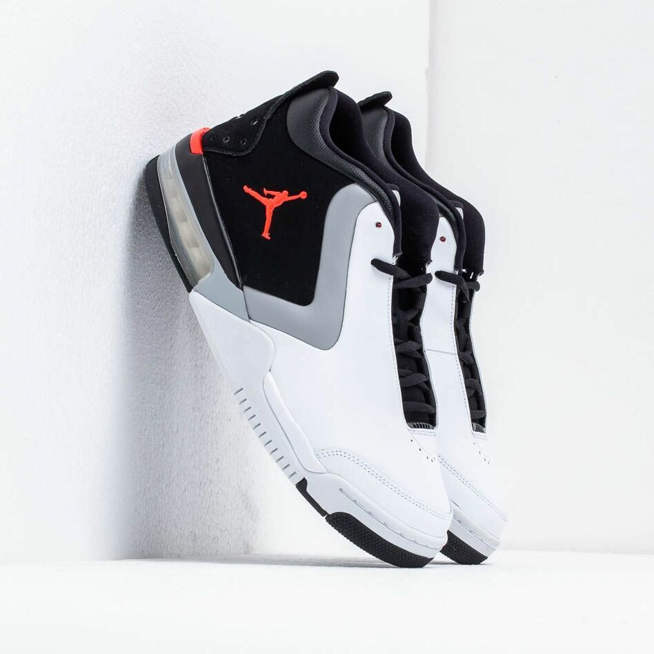 Jordan Big Fund White/ Infrared 23-Black-Lt Smoke Grey EUR 41