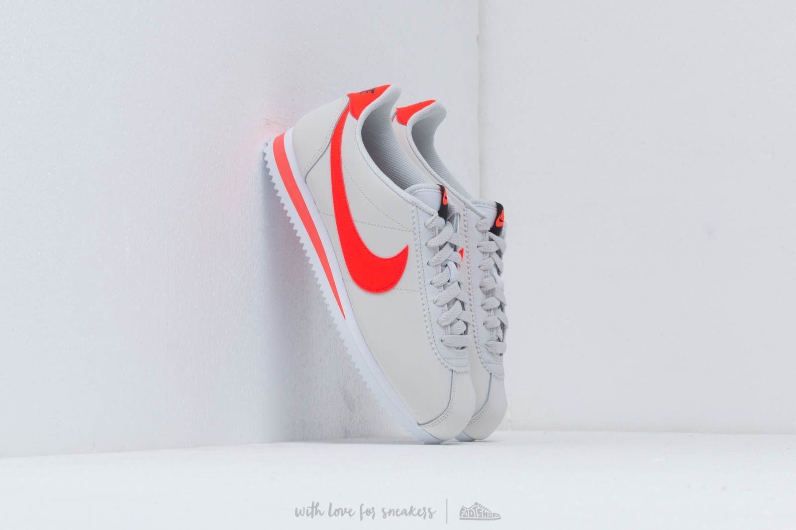 Nike Wmns Classic Cortez Leather Platinum Tint/ Bright Crimson-Black-White W super cenie 371 zł kupuj na Footshop.pl