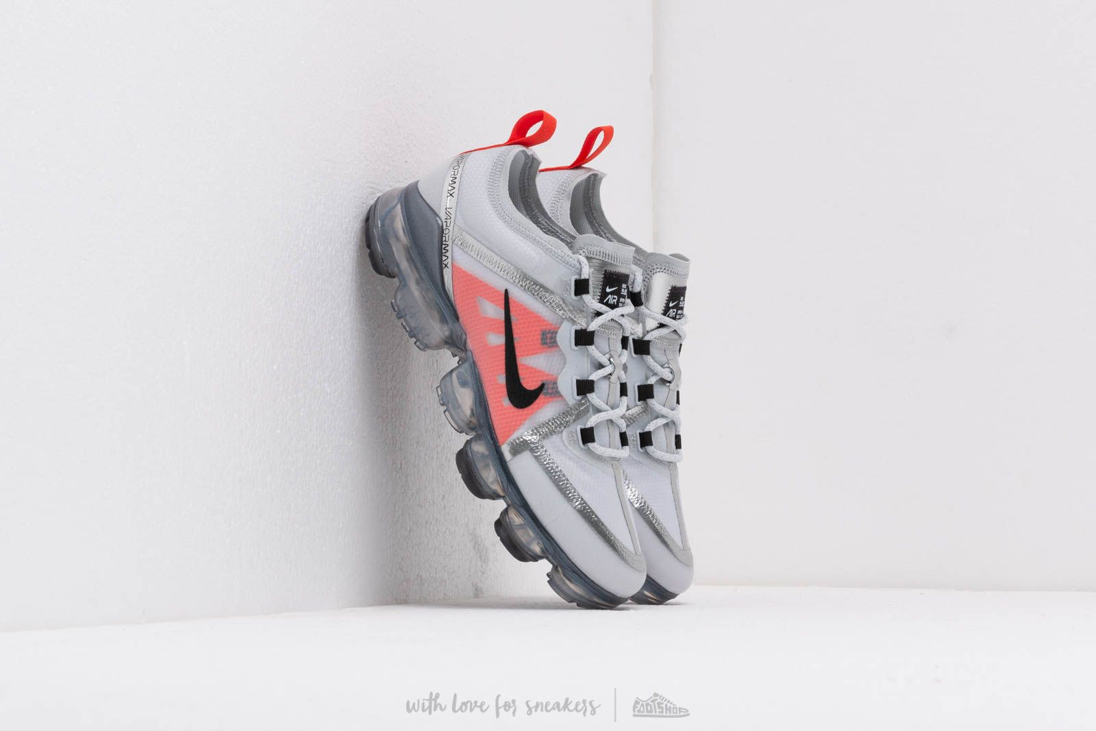Nike Air Vapormax 2019 (GS) Pure Platinum/ Black-White-Team Orange za skvělou cenu 3 690 Kč koupíte na Footshop.cz