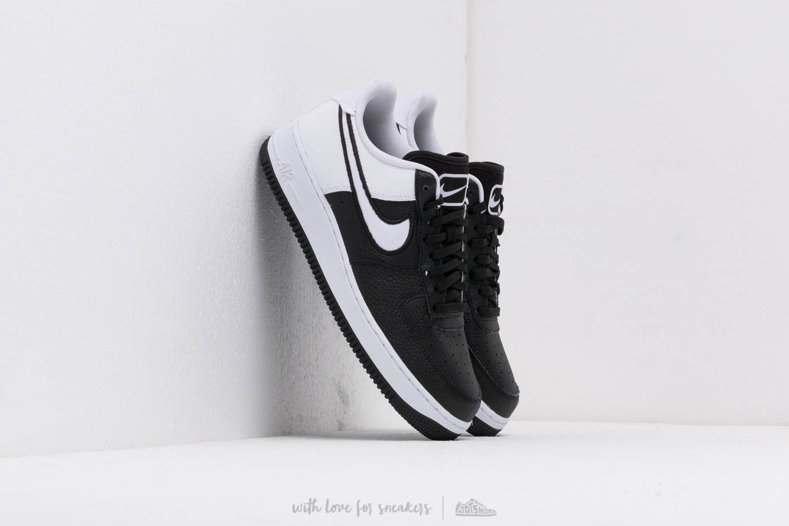 818c3ddd0e6b7 Nike Air Force 1  07 Lv8 1 Black  White at a great price 103