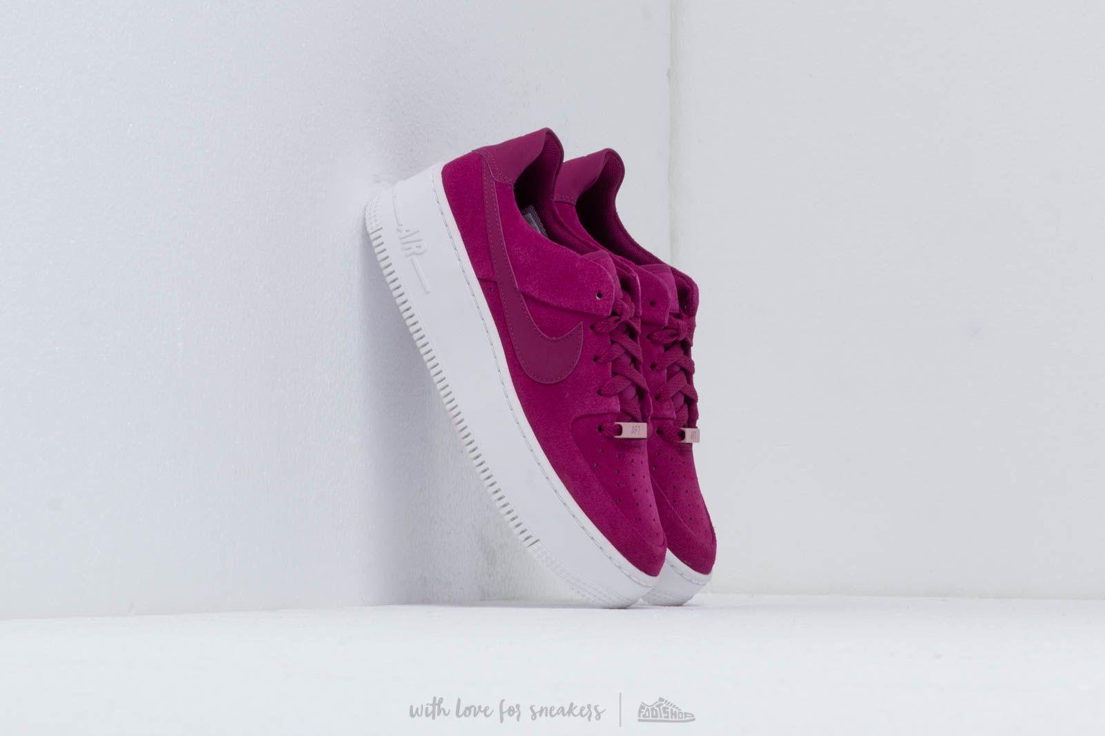 Nike W Af1 Sage Low True Berry/ True Berry-Plum Chalk za skvělou cenu 2 790 Kč koupíte na Footshop.cz