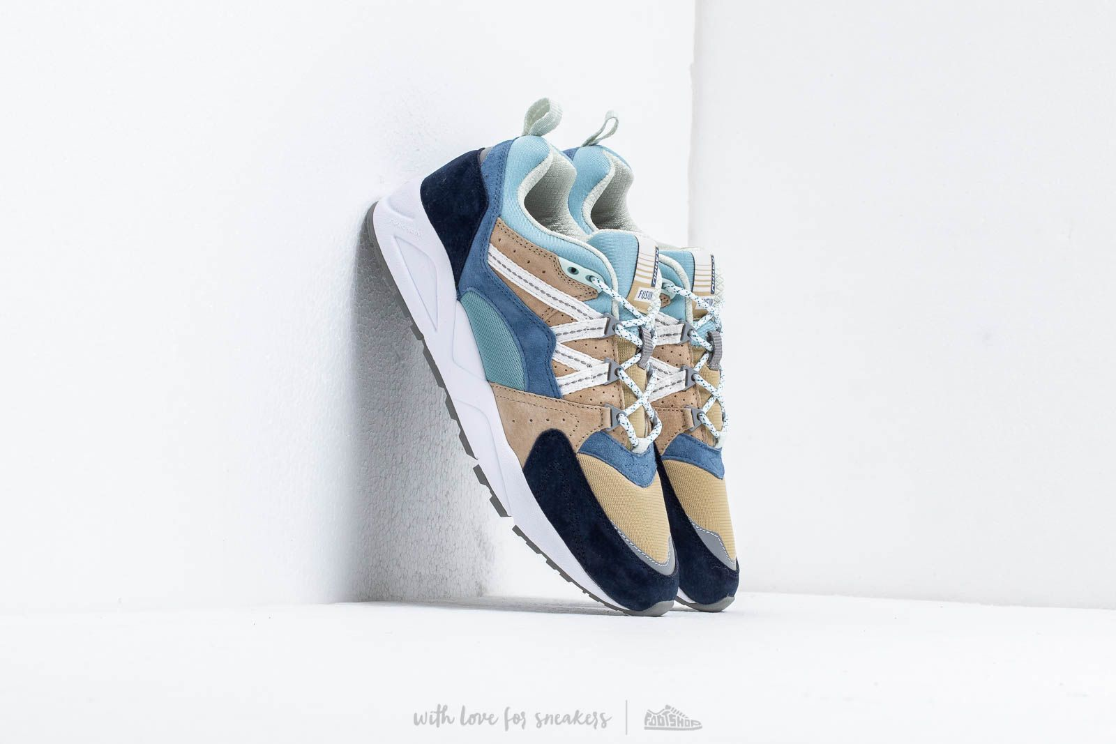 Karhu Fusion 2.0 Moonlight Blue/ Pale Olive Green at a great price 128 € buy at Footshop