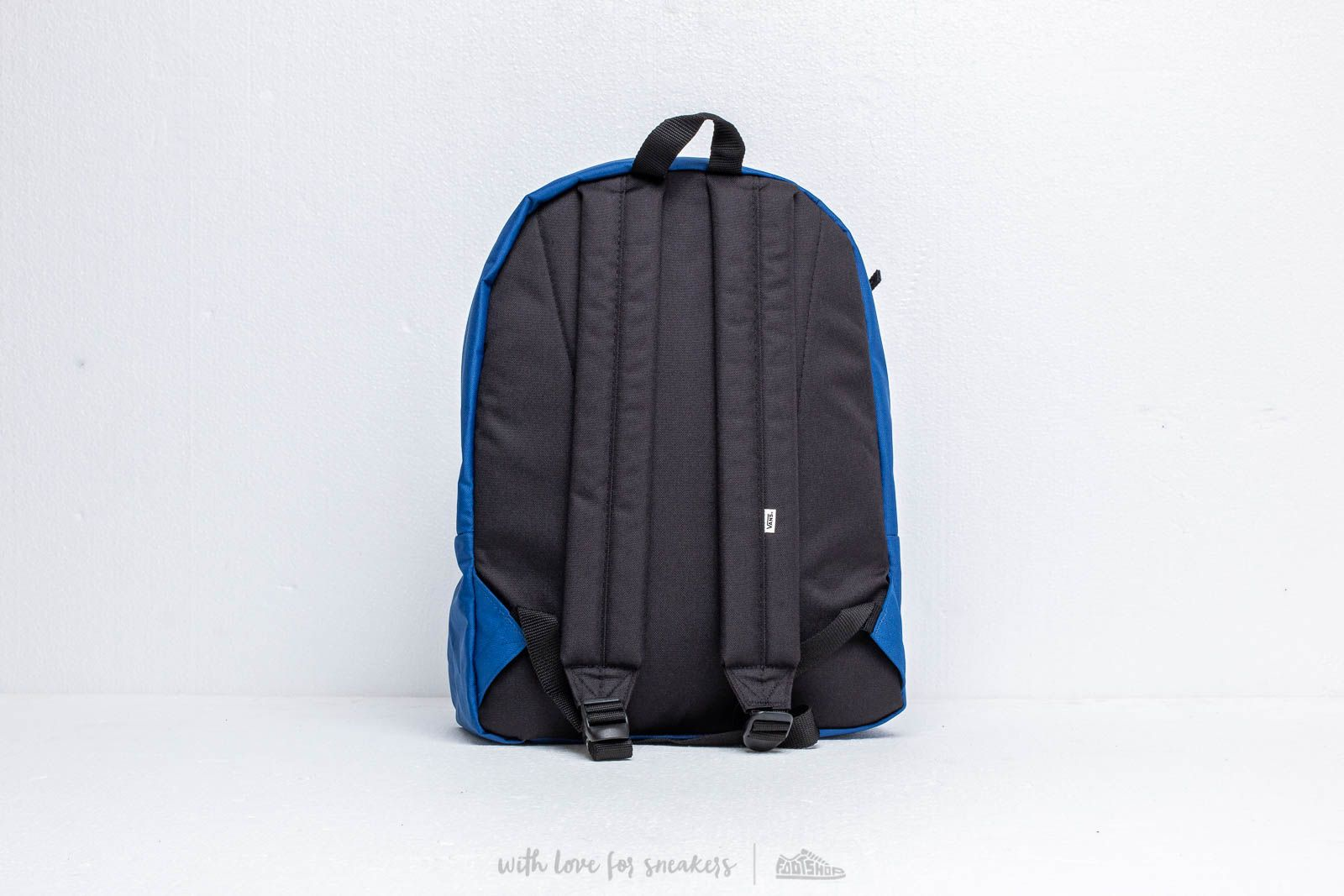 b6f80f5df6 Vans Realm Backpack Blue at a great price 33 € buy at Footshop