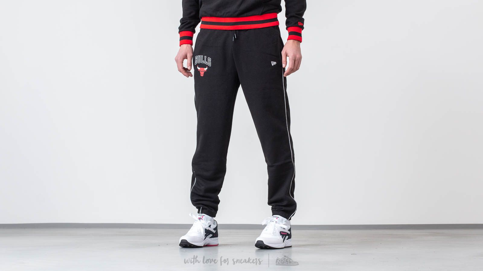 New Era NBA Stripe Piping Jogger Chicago Bulls