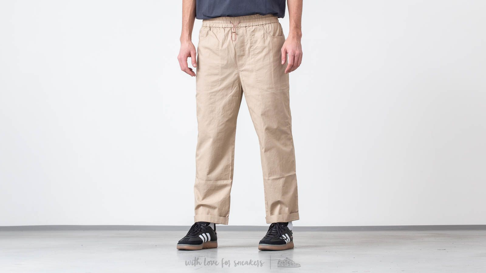 WOOD WOOD Buzz Trousers Light Khaki za skvelú cenu 134 € kúpite na Footshop.sk
