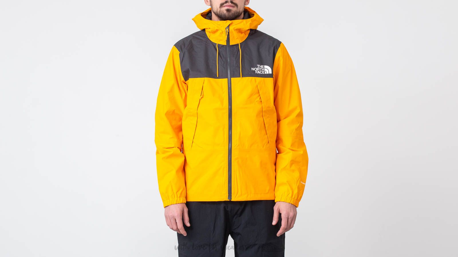 936062e4b5 The North Face 1990 Mountain Q Jacket Zinnia Orange   Footshop