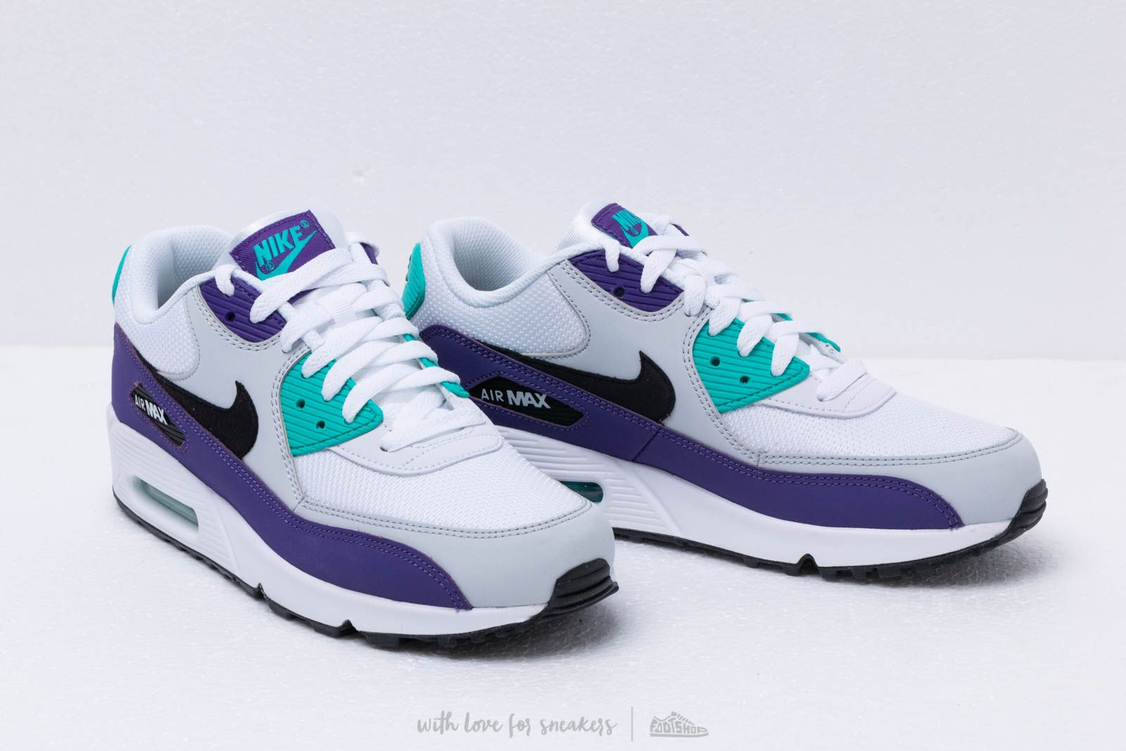 Nike Air Max 90 Essential WhiteBlackHyper JadeCourt Purple