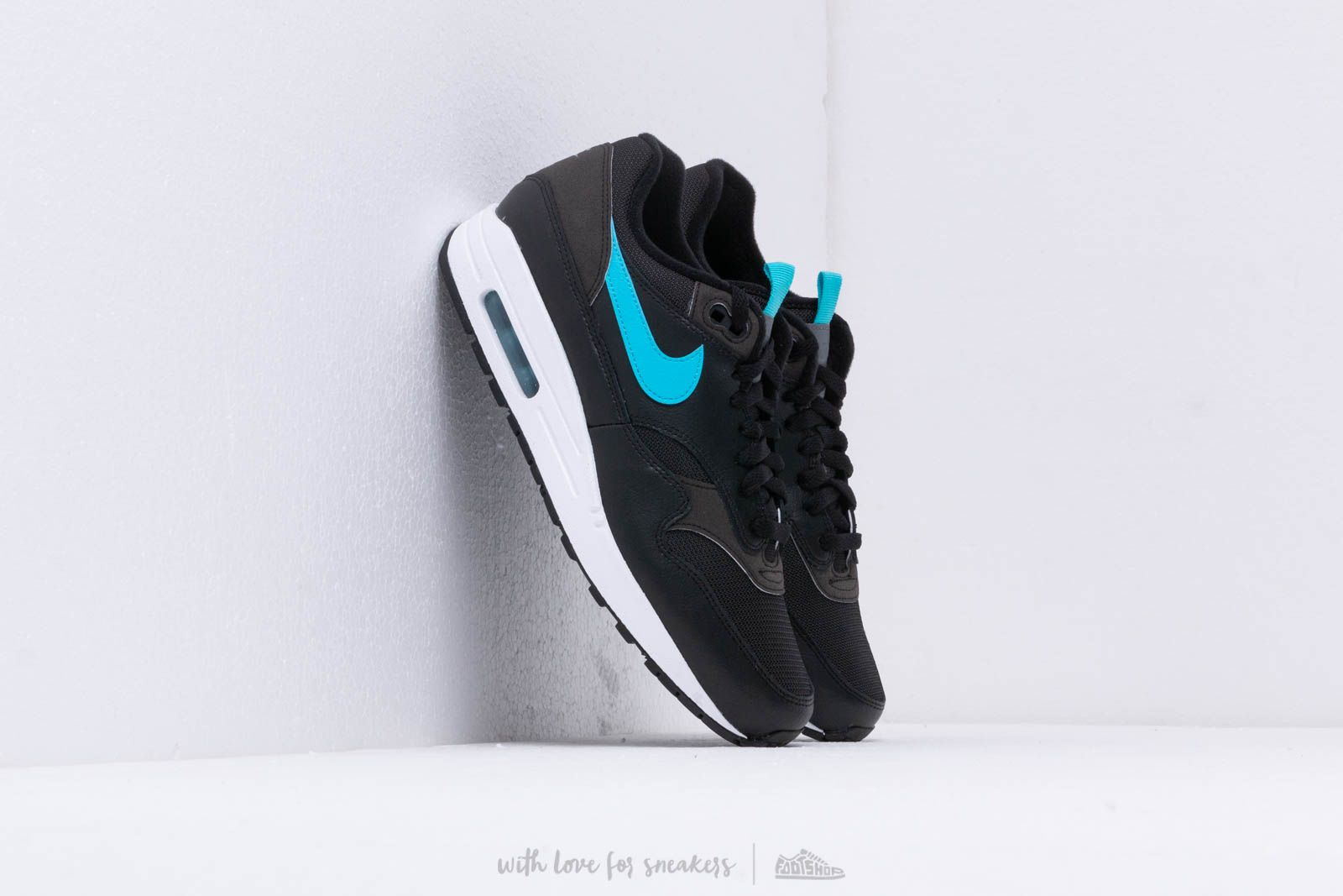 Nike Air Max 1 Se Black  Blue Fury at a great price 128 € buy 870e614670