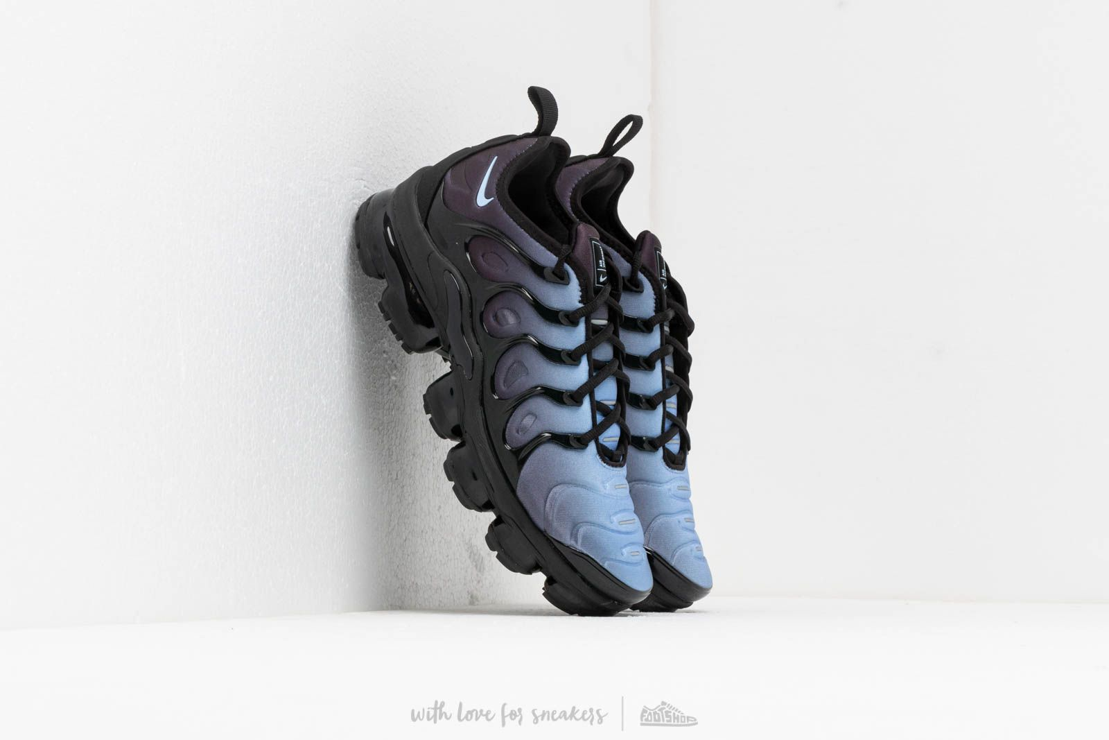 eb92479a890 Nike Air Vapormax Plus Black  Aluminum at a great price 198 € buy at  Footshop