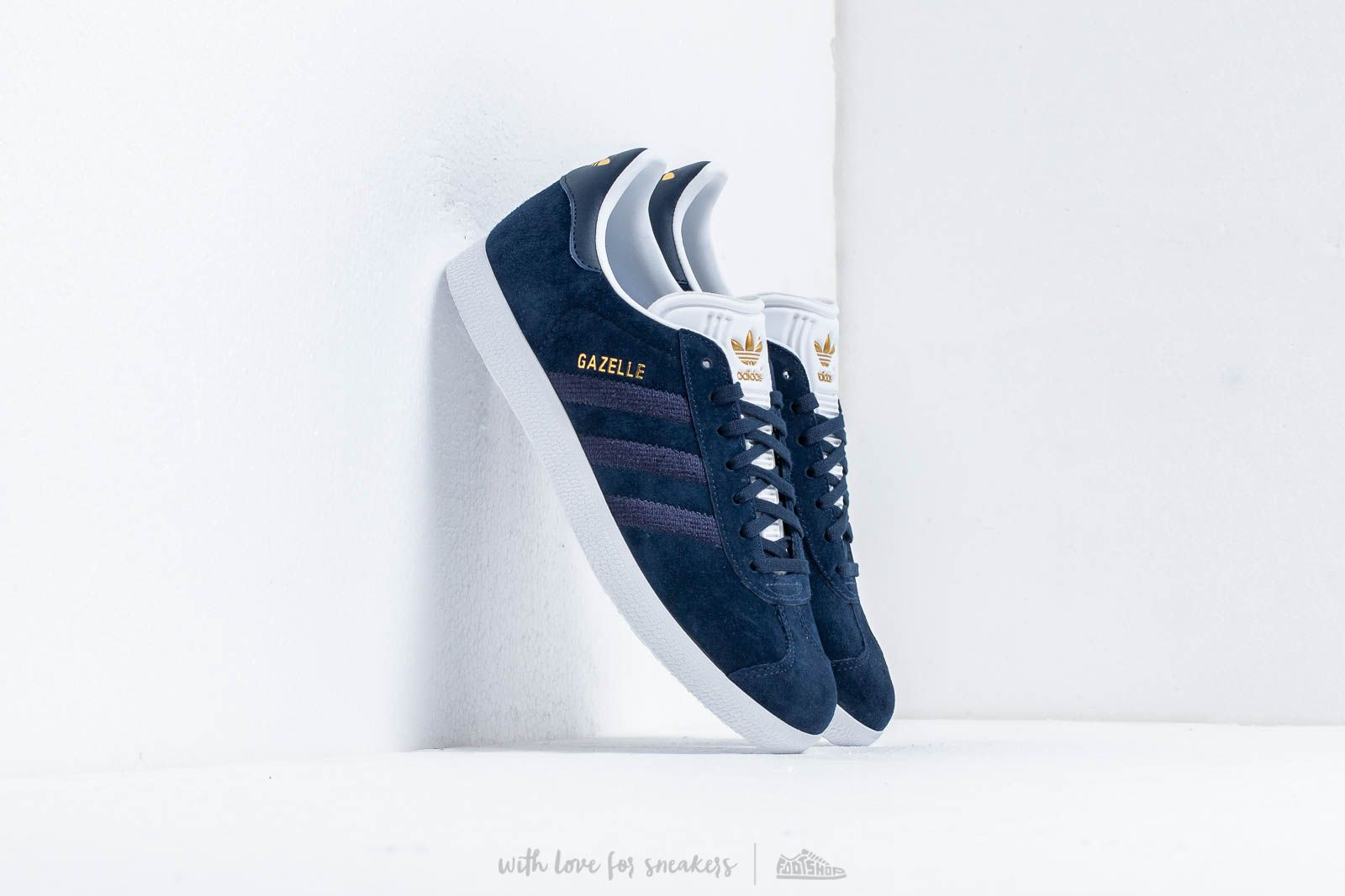 adidas Gazelle W Conavy/ Conavy/ Ftw White at a great price 91 € bestell bei Footshop