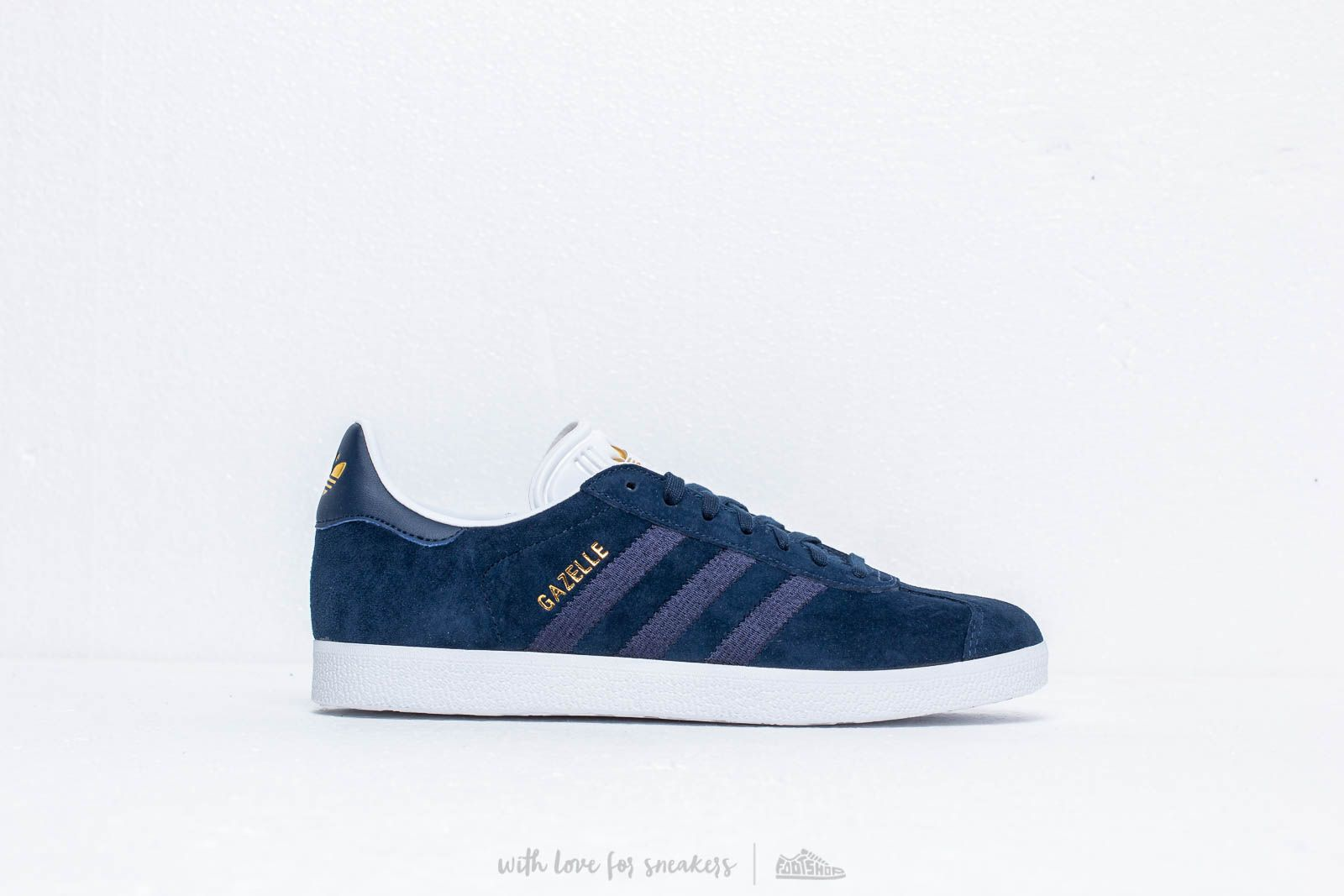 hot sale online 4b079 94c9f adidas Gazelle W Conavy Conavy Ftw White at a great price 92 € buy