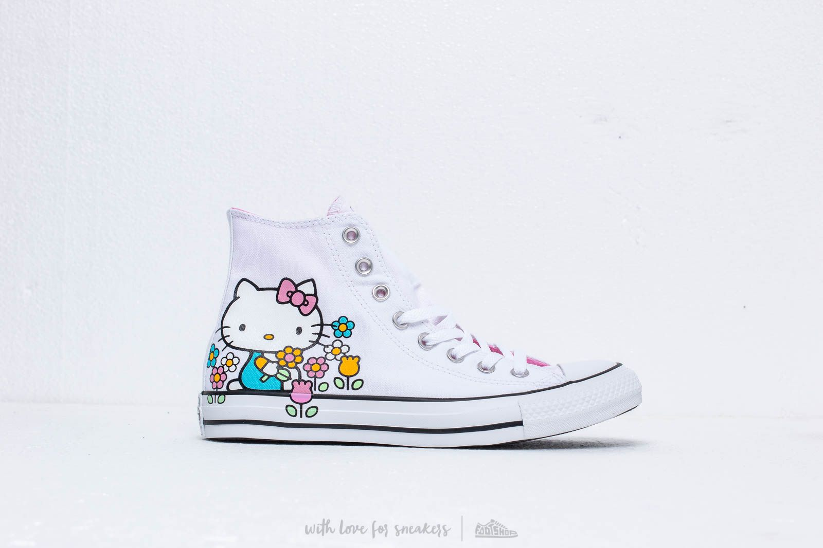 bee7b21938f8 Converse x Hello Kitty Chuck Taylor All Star Hi White  Pink  White at a