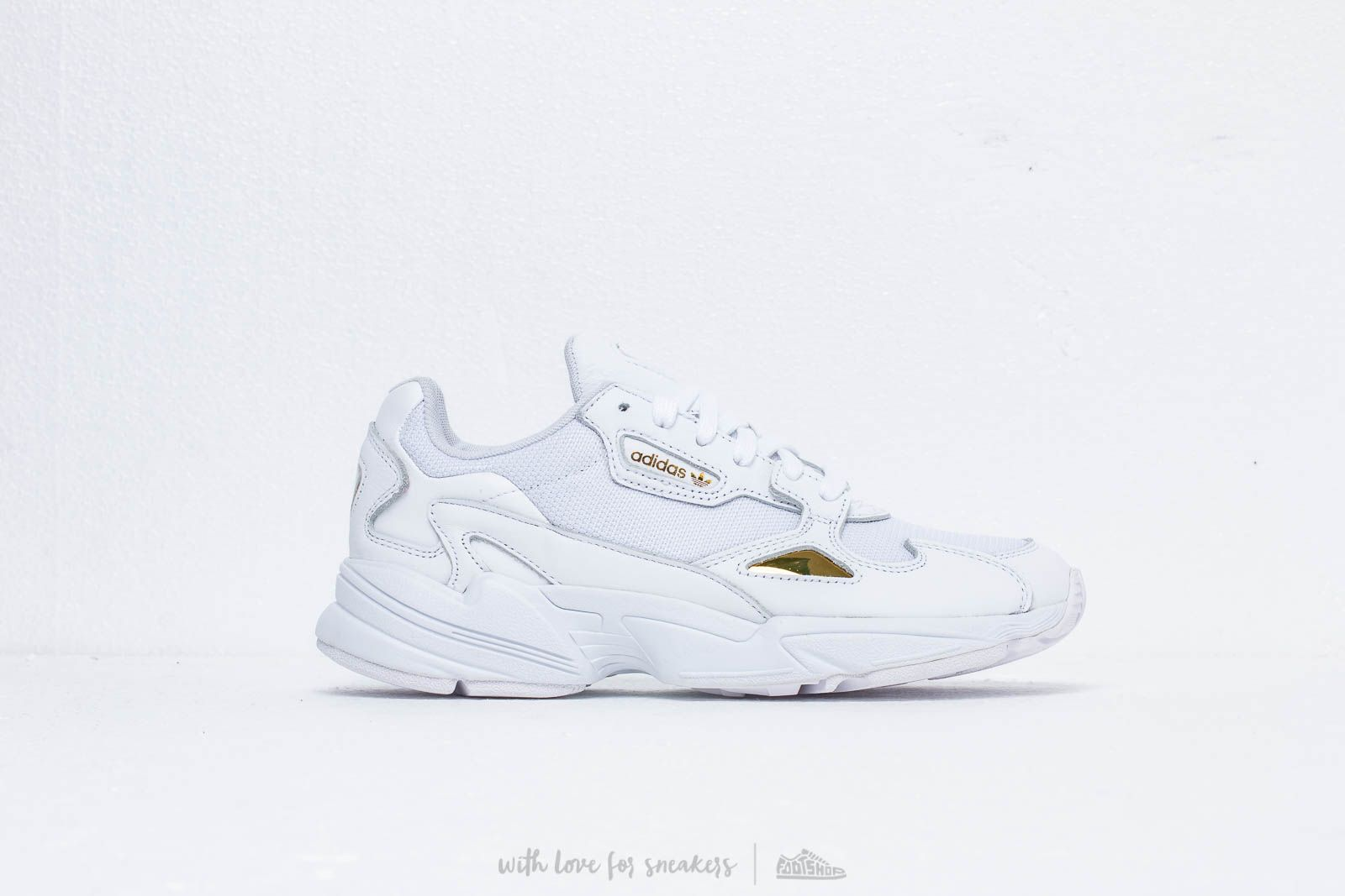 outlet store e0f41 ddbea adidas Falcon W Ftw White Ftw White Gold Metalic at a great price £