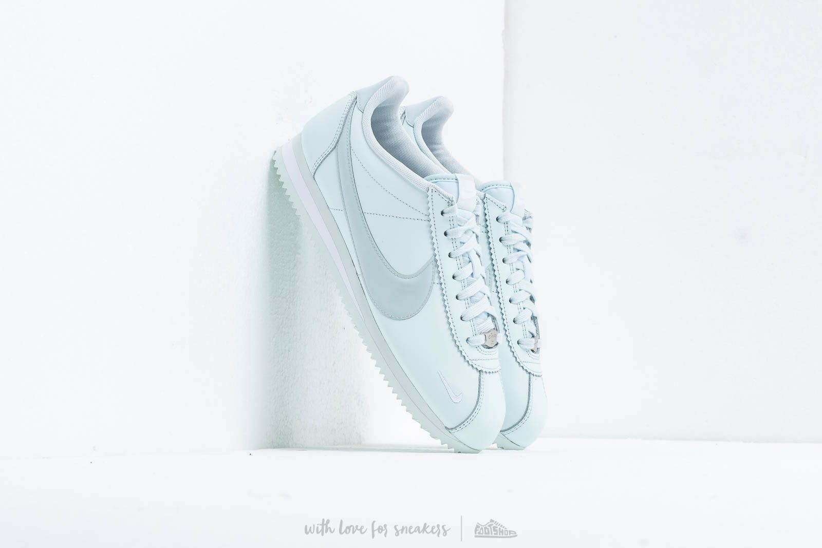 Nike Wmns Classic Cortez Prem