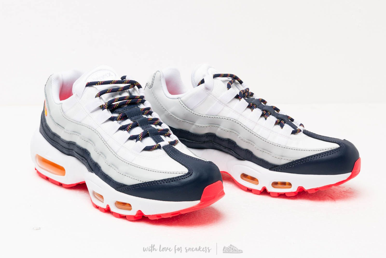 nike wmns aire max 95 midnight laser orange