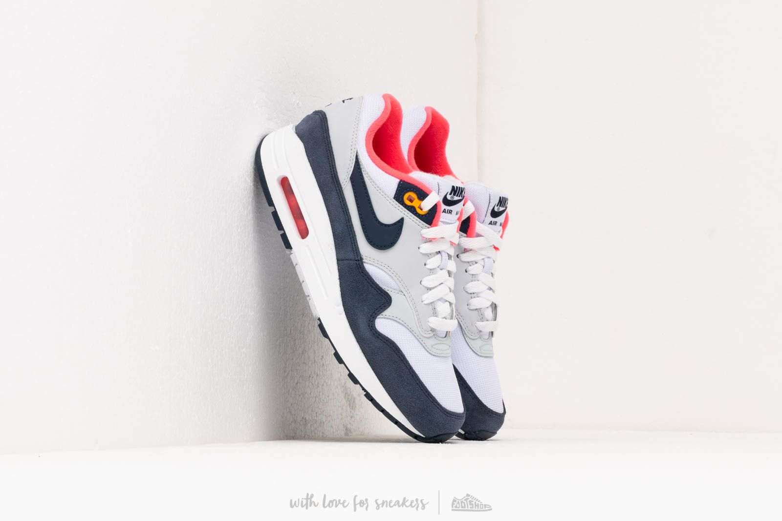 watch ccae3 892e1 Nike Wmns Air Max 1 White Midnight Navy-Pure Platinum at a great price