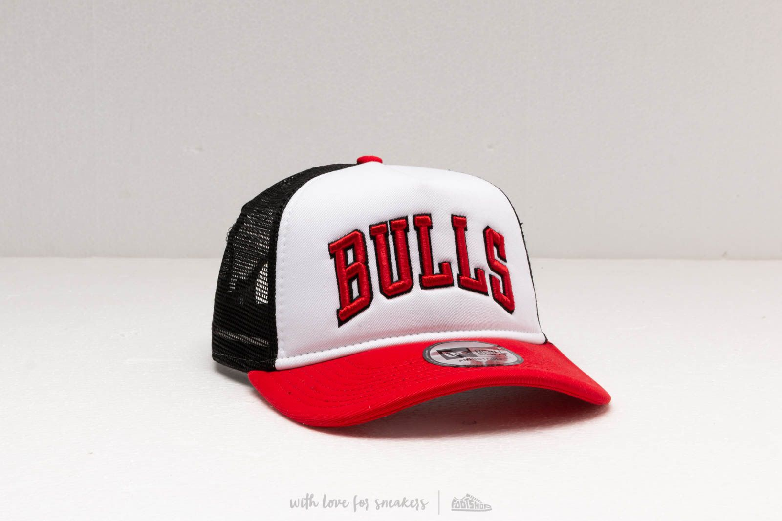 7a22f91a New Era A Frame Chicago Bulls Team Colour Trucker Cap Red/ White/ Black