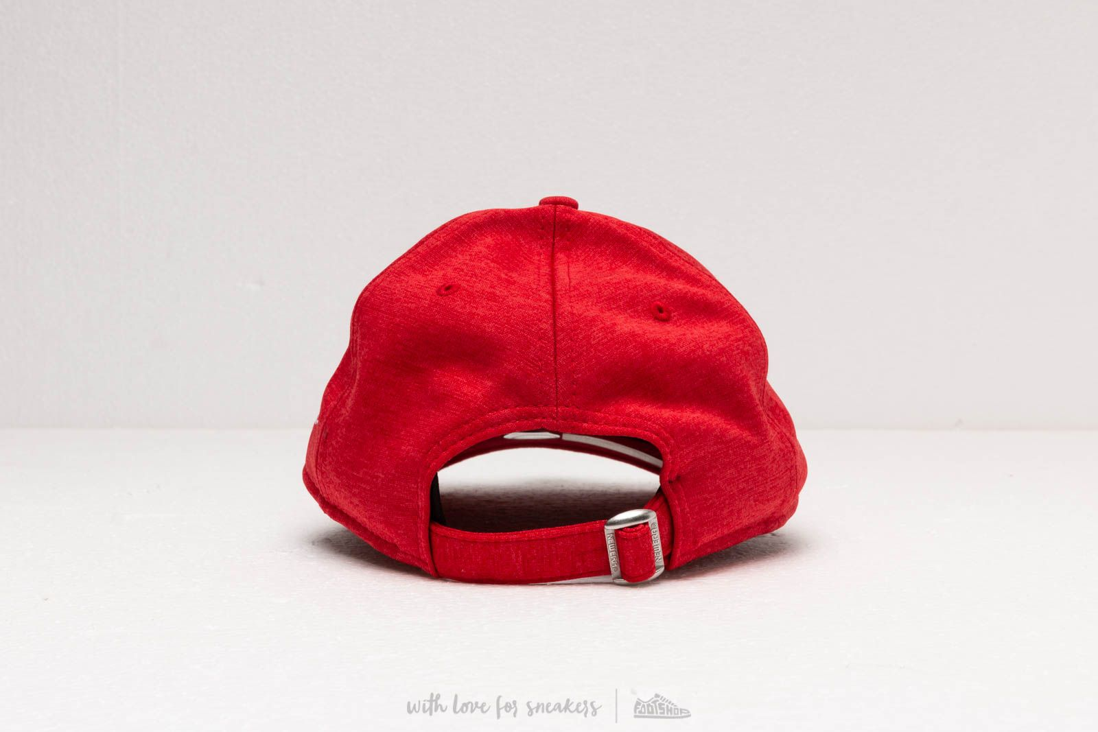 lowest price a5cc1 657d1 New Era 9Forty Shadow Tech Cap Red at a great price 32 € buy at Footshop