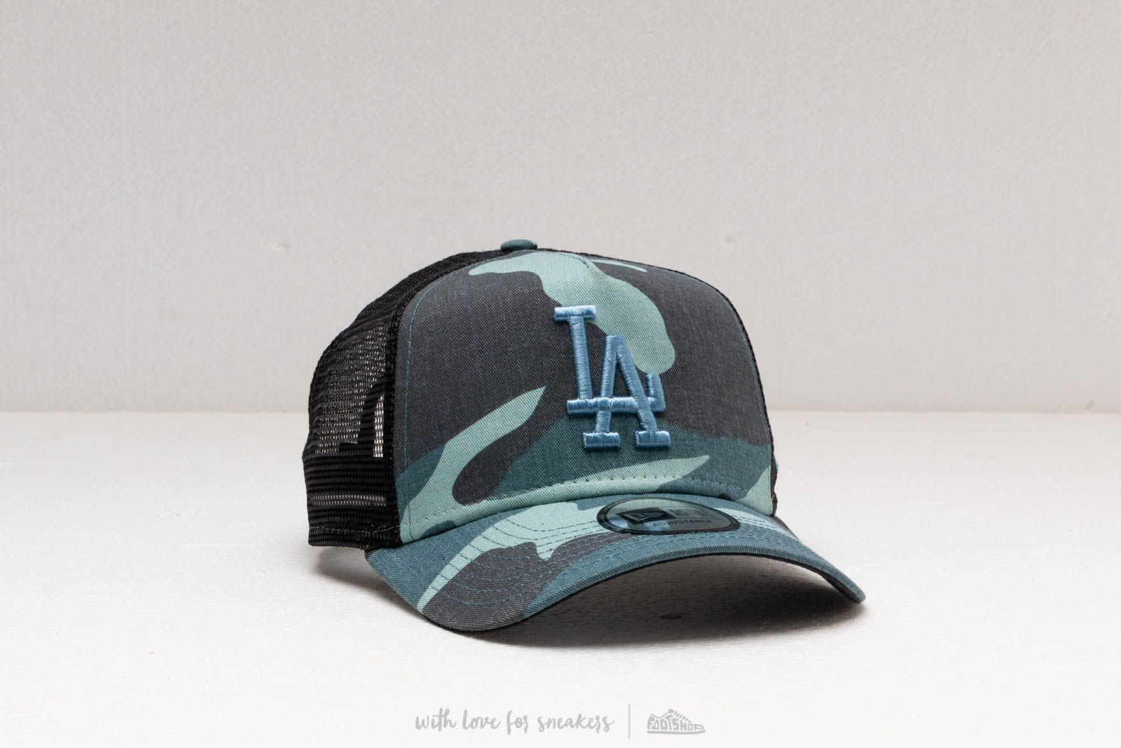 8f808a616 New Era MLB Essential Trucker Los Angeles Dodgers Camo Blue 24