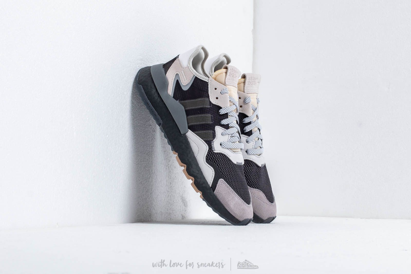 competitive price 70015 67ef5 adidas Nite Jogger Core Black Carbon Ftw White at a great price 136 €