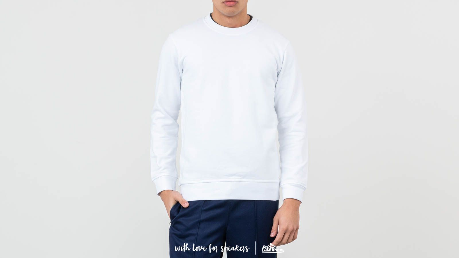 Comme des Garçons SHIRT S27105 White at a great price 90 € buy at Footshop