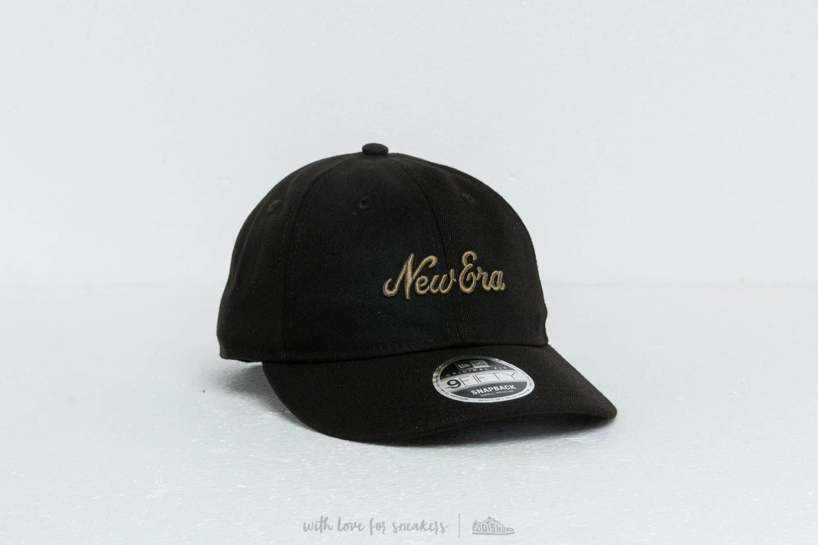 buy popular 413a8 a24da New Era 9Fifty Retro Crown Cap Black  Olive at a great price £31 buy