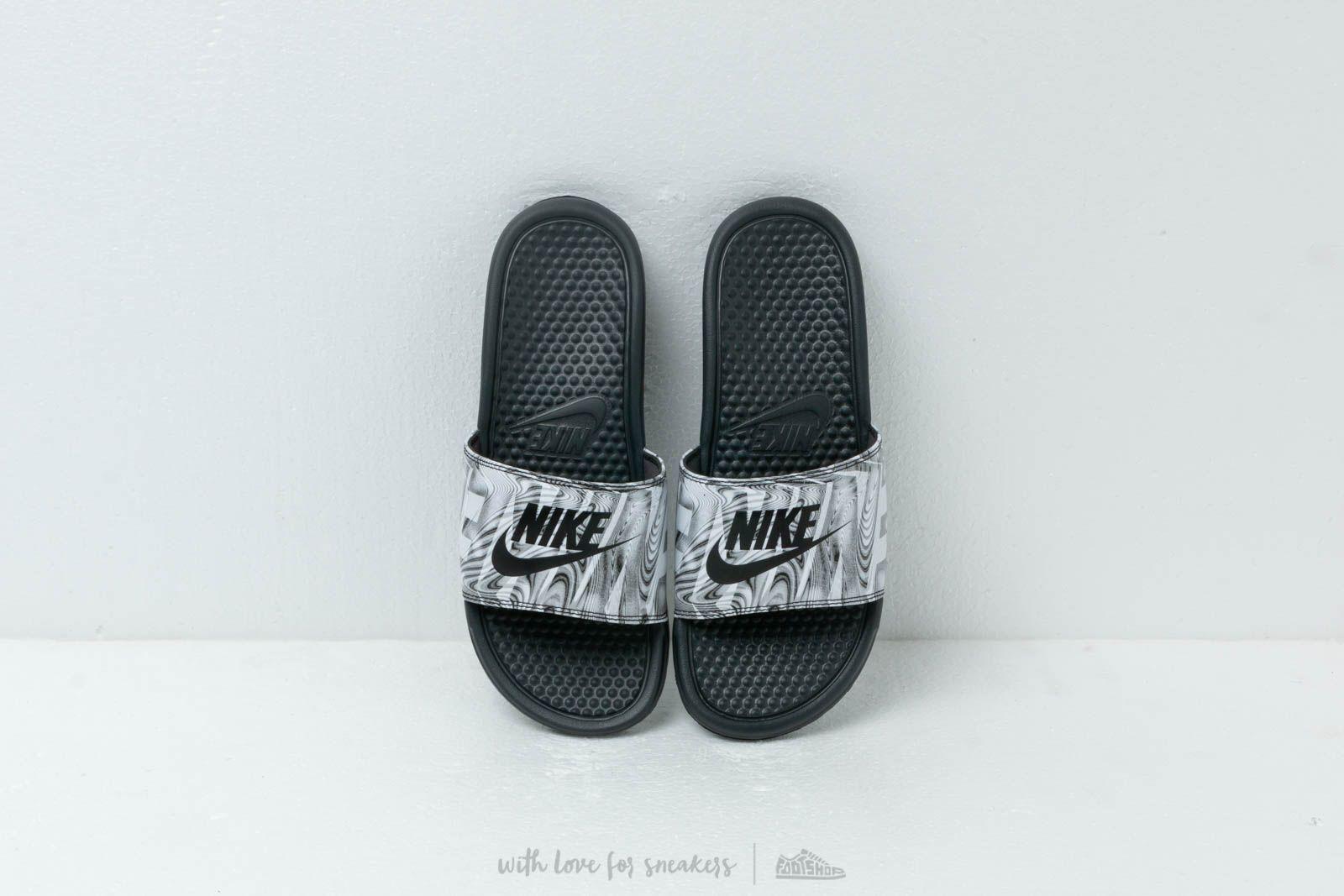 Nike Benassi Jdi Print Anthracite  Black za skvělou cenu 790 Kč koupíte na  Footshop. f0aaa19f81
