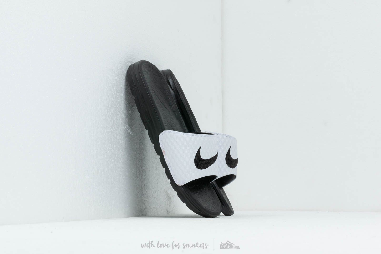 info for 1b3c0 79169 Nike Benassi Solarsoft White  Black at a great price 31 € buy at Footshop