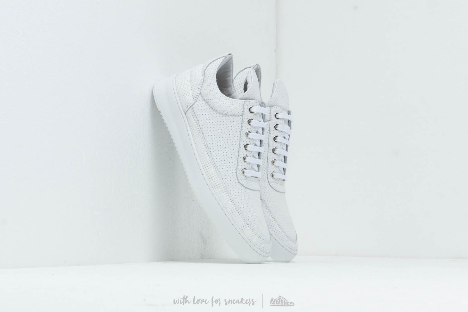 Filling Pieces Low Top Ripple Nappa Perforated