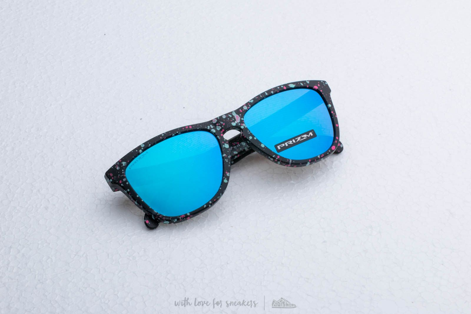 7a4d63115d8 Oakley Frogskins Lite Splatterfade Sunglasses Black  Prizm Sapphire Iridium  at a great price 117 €