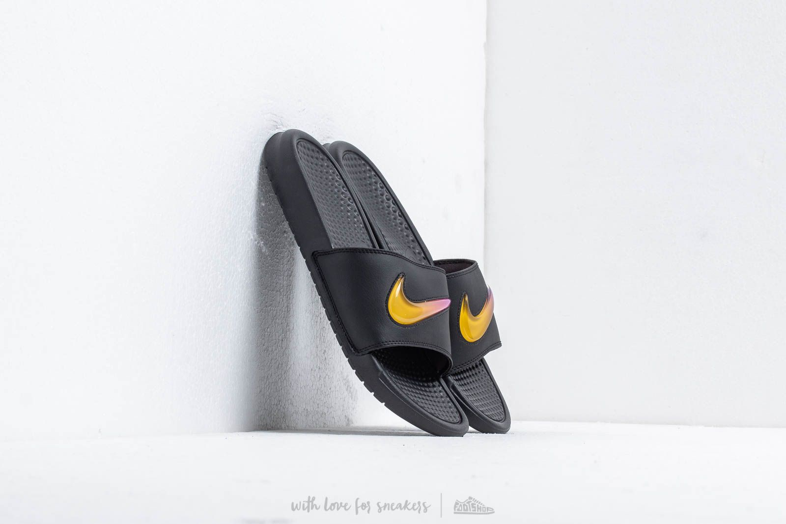 new products 703bf fbcc1 Nike Benassi Jdi Se Black  Amarillo-Hyper Violet at a great price 29 €
