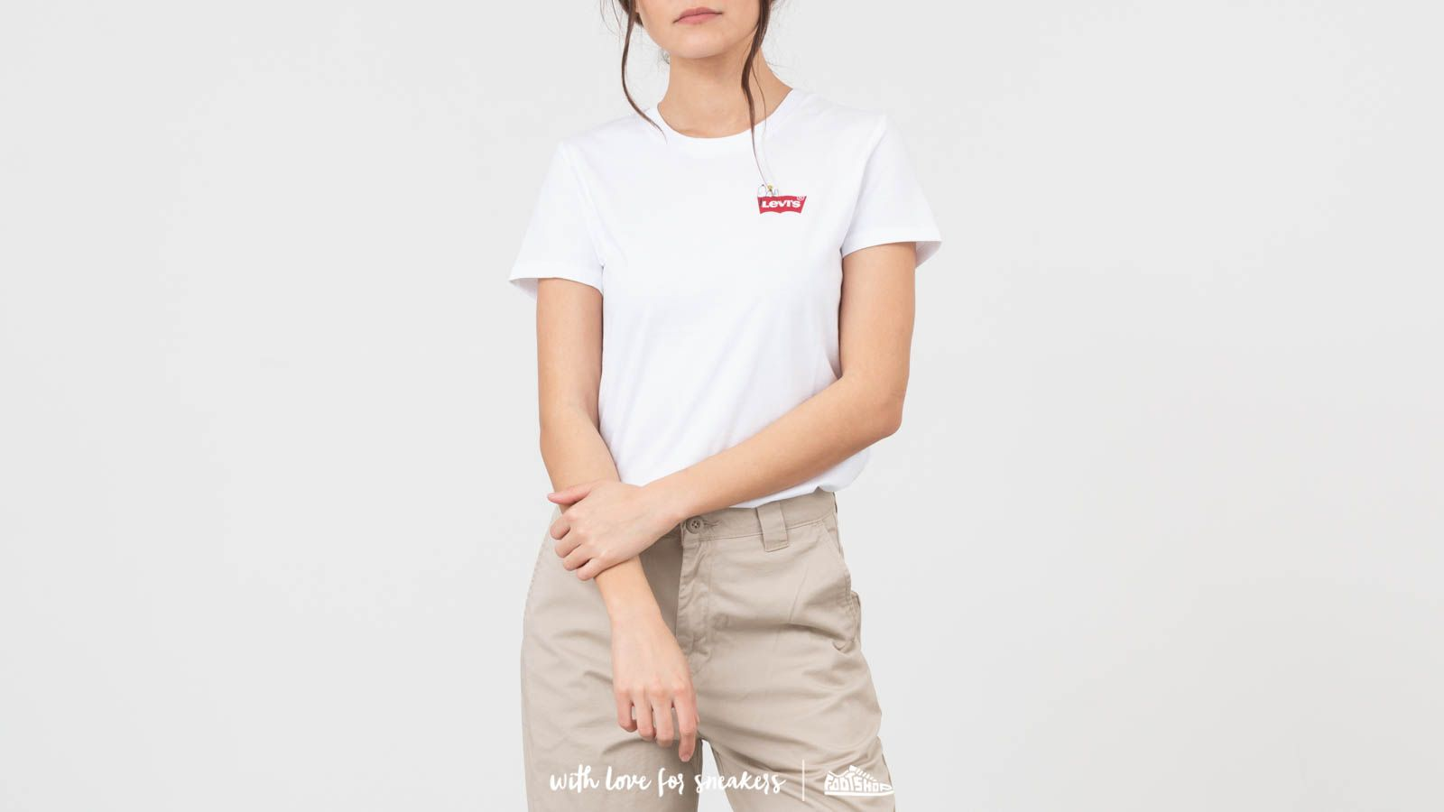6d9fea1ca Levi's® X Peanuts Perfect Graphic Tee White | Footshop
