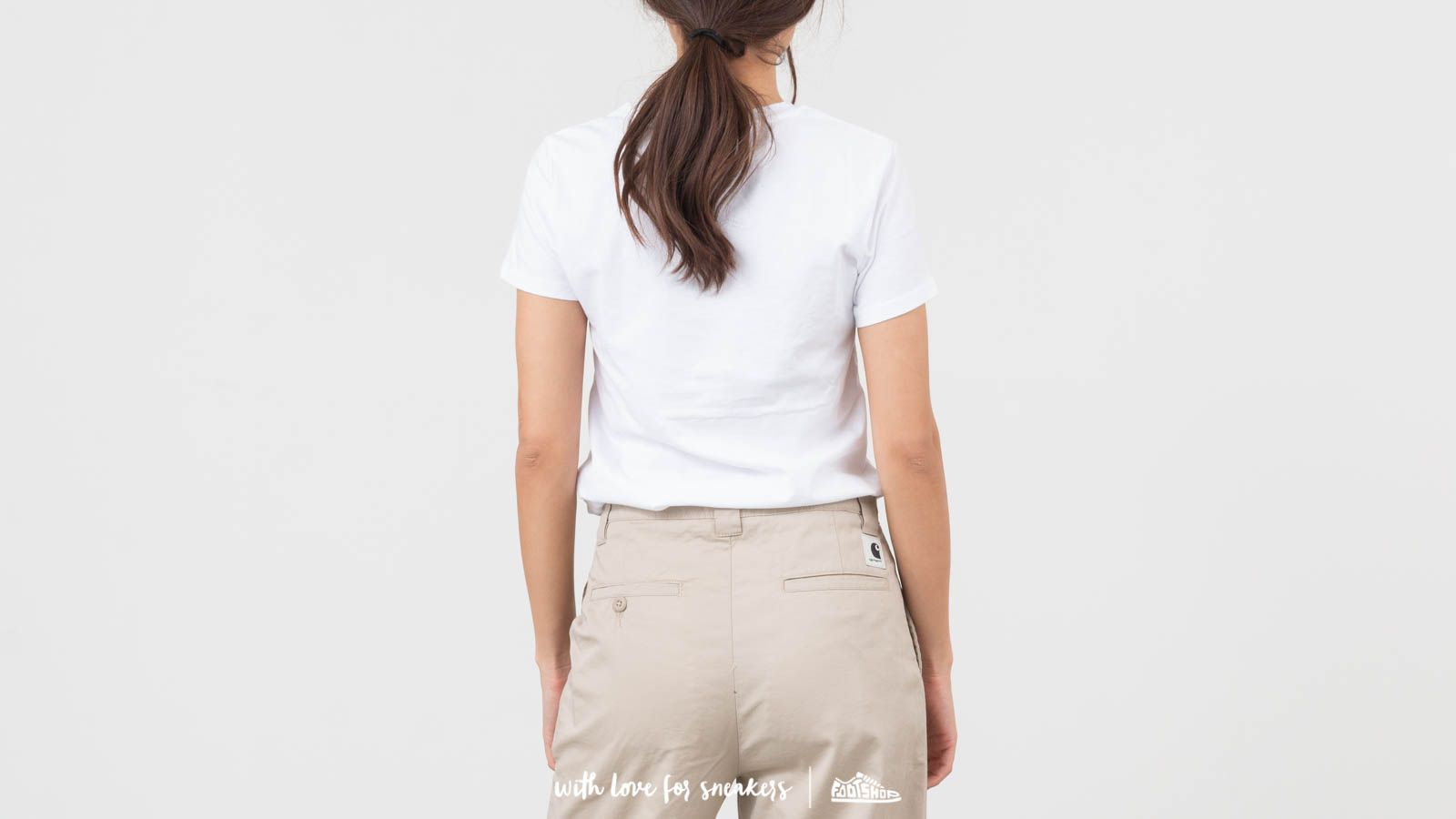 ab0b32603 Levi's® X Peanuts Perfect Graphic Tee White at a great price $26 buy at  Footshop